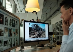 """""""Wir werden überschüttet mit Bildern"""" – Interview mit STERN-Bildchef Andreas Trampe"""